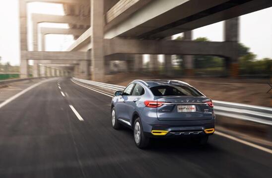 轿跑SUV/运动型轿车的世纪比拼 哈弗F7x的优势再也藏不住了